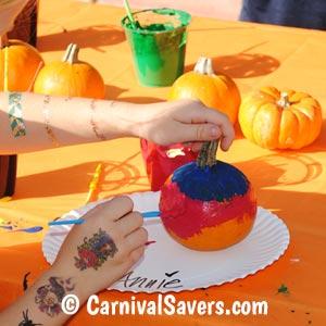 painting-pumpkins-on-paper-plates.jpg