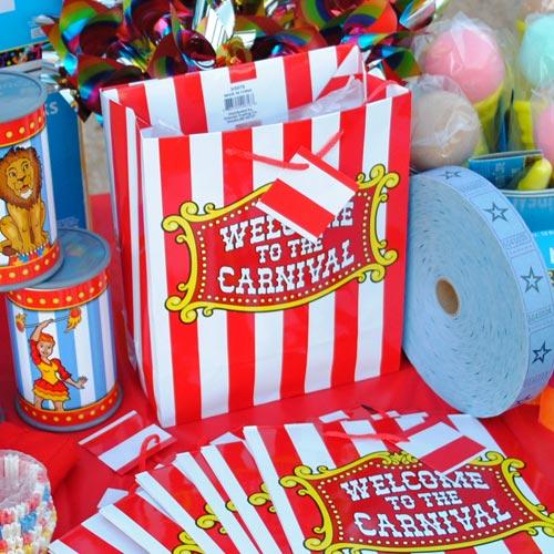 treat-bags-for-a-backyard-carnival.jpg